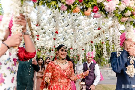 Elegant Goa Wedding With The Most Adorable Bridal Entry