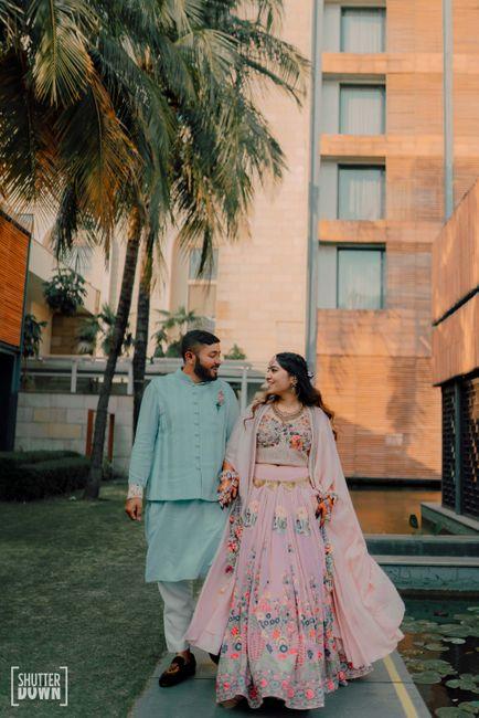A Vibrant Kolkata Wedding With Vivid Decor & Outfits