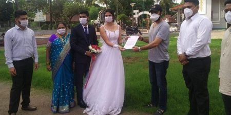 Newly-Wed Couple Donate Beds To COVID Centre In Mumbai!