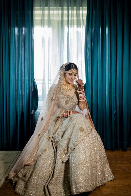 An Elegant Gujarati Wedding With The Bride In A Pastel Lehenga