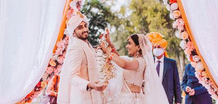 Experts Reveal: Things To Tick When Booking A Candid Photographer For Intimate Weddings!