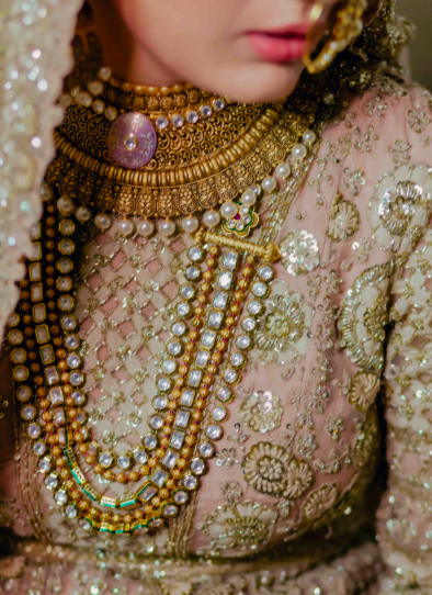 choker necklace with long sanctuary haar is absolutely giving this lady of the hour some regal vibes