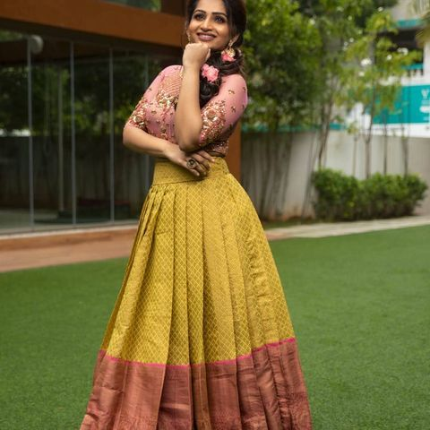 Groom S Sister Look Book Weddings 2020 2021 South Indian Style Outfits Wedmegood