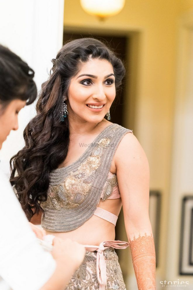 21 Hairstyle On Lehenga For Short Curly Hair Great Ideas
