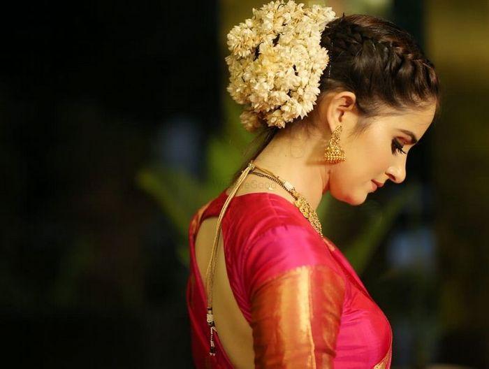 Juda Hairstyle For Saree With Gajra