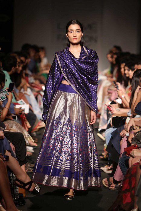 4429e693f9f9 Trending : Handloom Silk Lehengas in Banarsi and Kanjivaram | WedMeGood