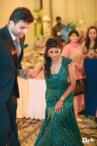 8 Brides Who Didn T Wear Lehengas For Their Engagement Wedmegood