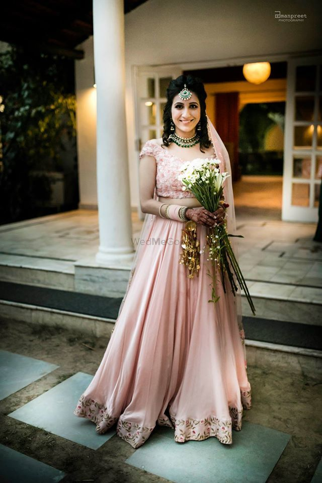 5a10eeaace5a This Real Bride who rocked a plain pastel lehenga with simple contrasting  jewellery