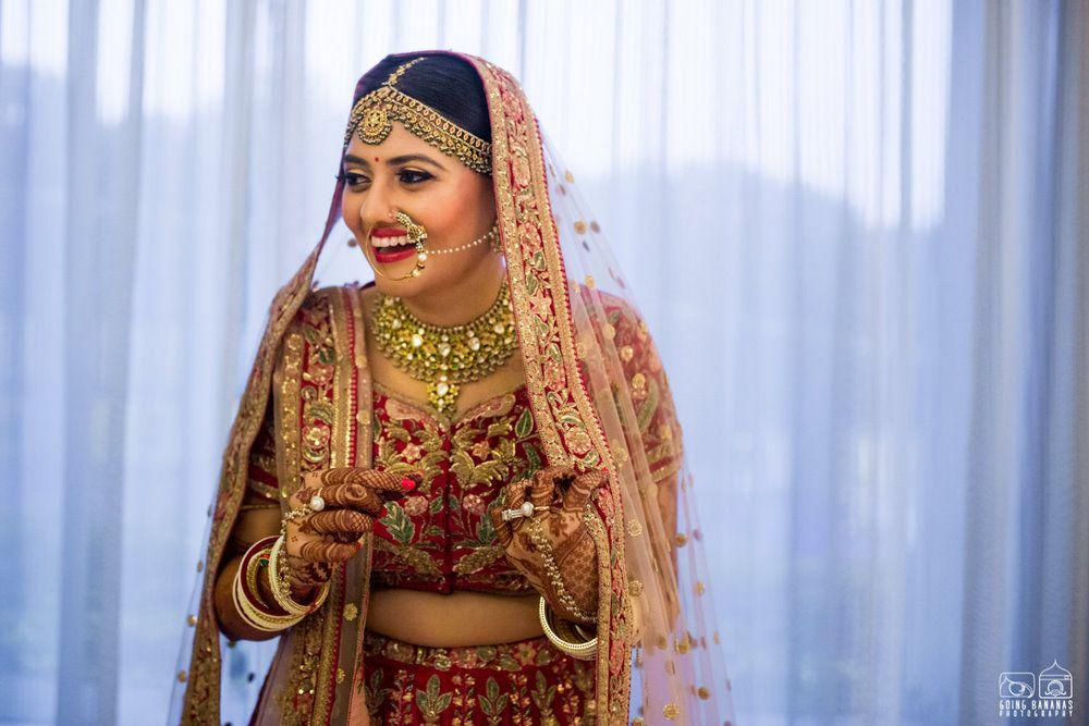 Wedding Photoshoot & Poses Photo sabyasachi bride