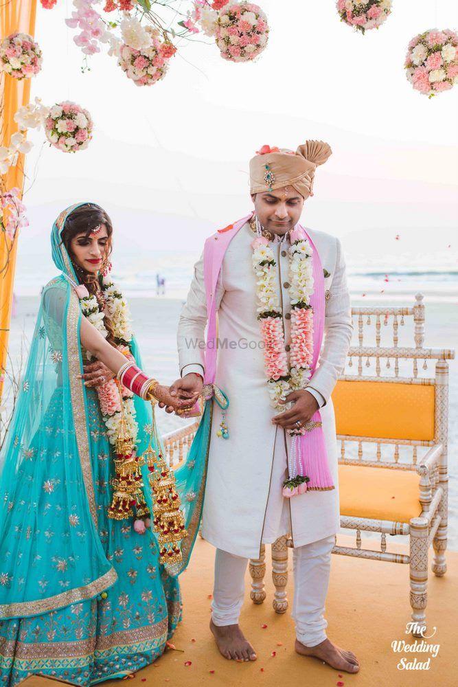 Wedding Photoshoot & Poses Photo beach wedding