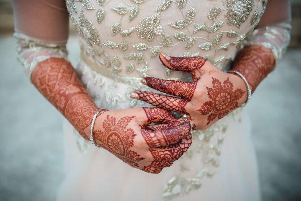 Photo of Simple bridal mehendi hands