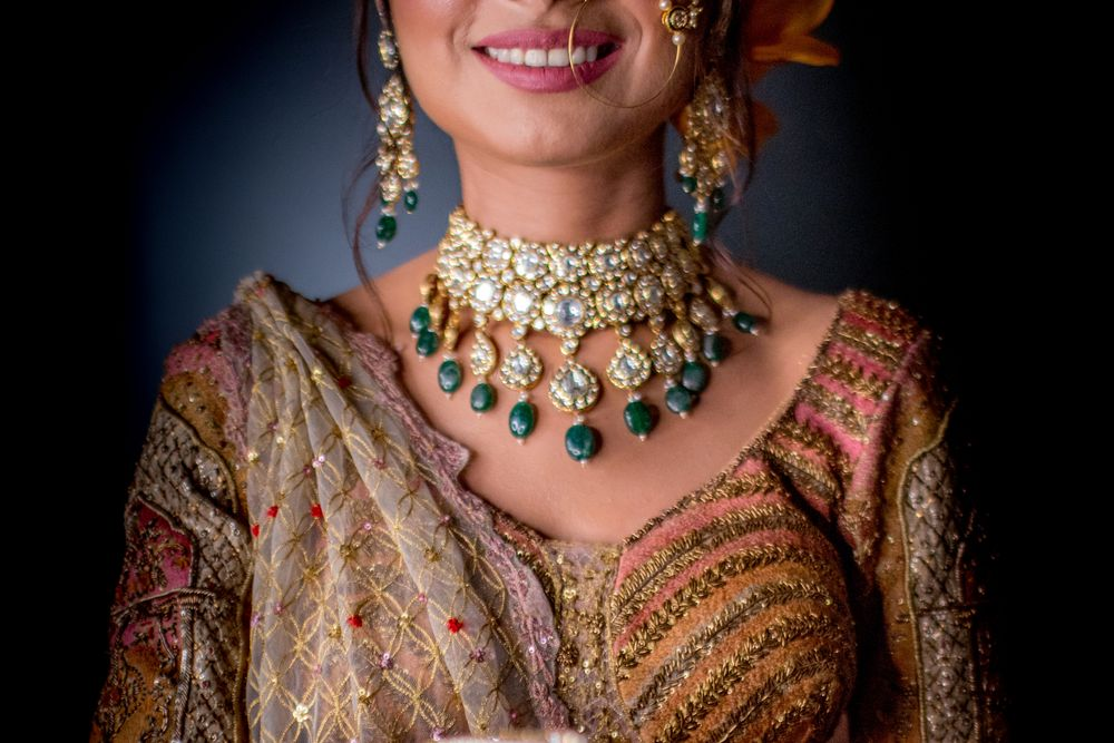 Photo of Dark green polki necklace for bride to wear on wedding day