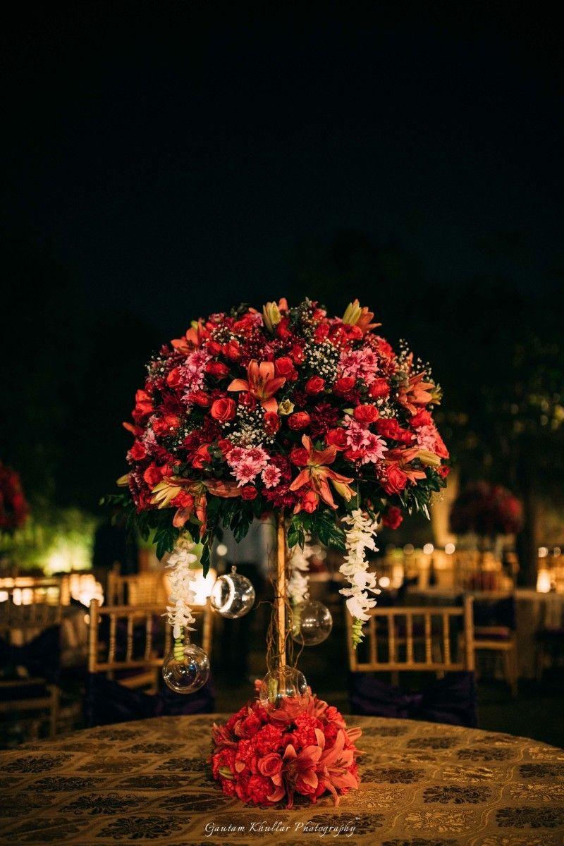 Photo of Lavish centrepiece idea for winter wedding