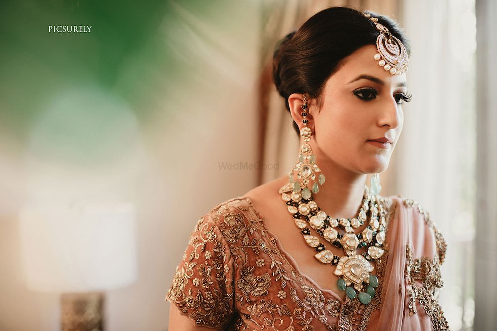 Photo of Unique bridal jewellery with leaf design necklace