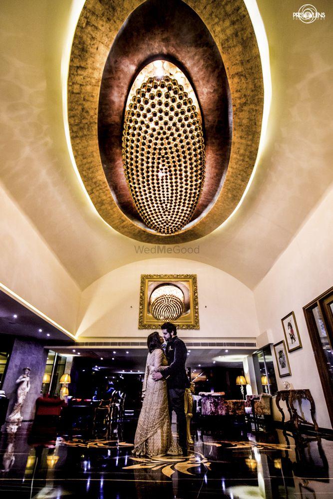 Gold Wedding Photoshoot & Poses Photo