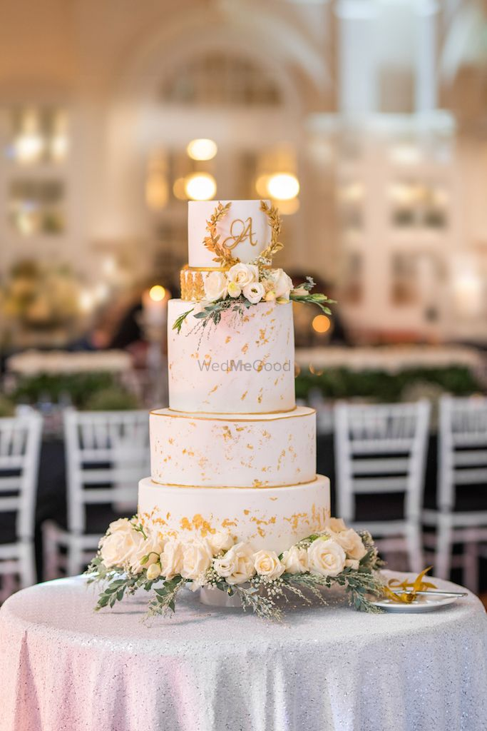 Photo of Foil finish 5 tier wedding cake