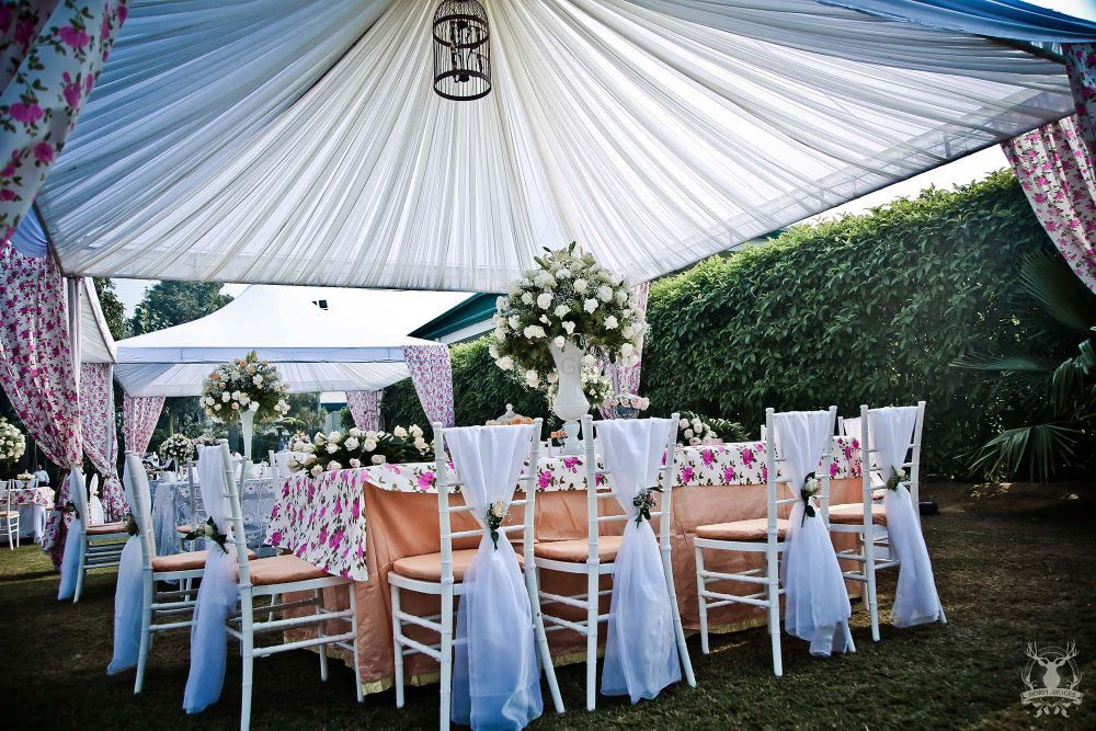 Photo of Floral Print table linen