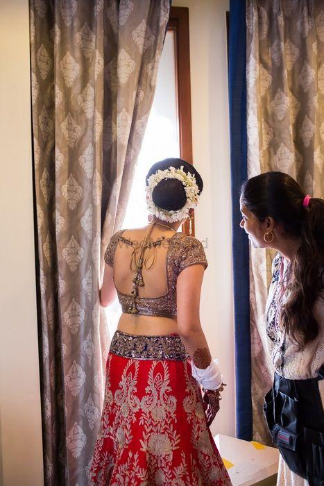 Photo of gajra in hair