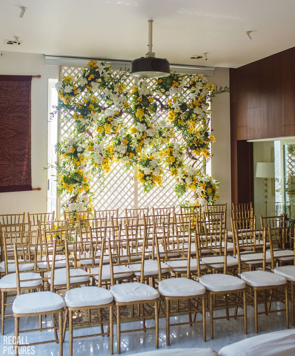 Photo of An easy, floral decor for a roka function at home