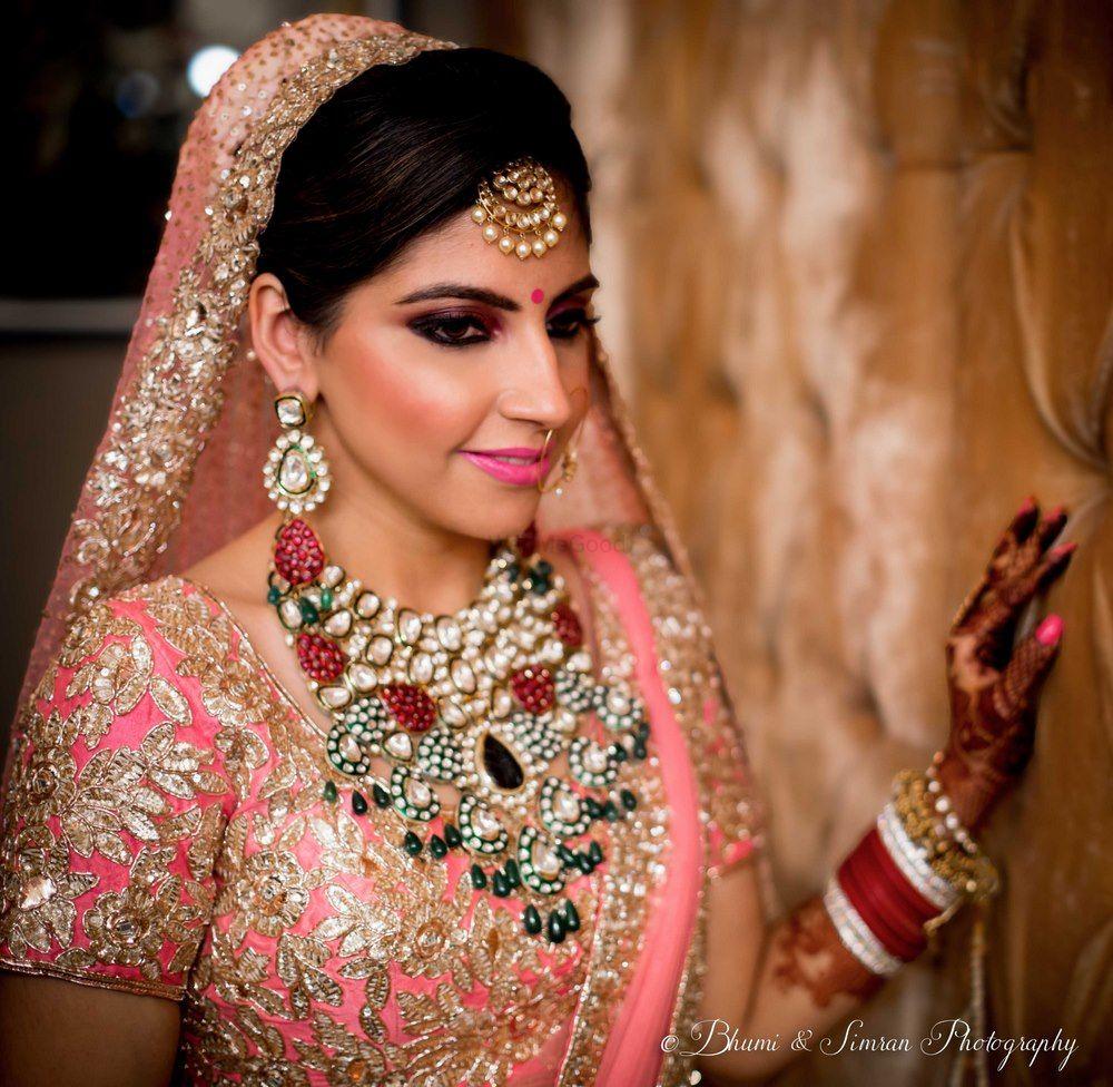 Photo of Bride with smokey eyes