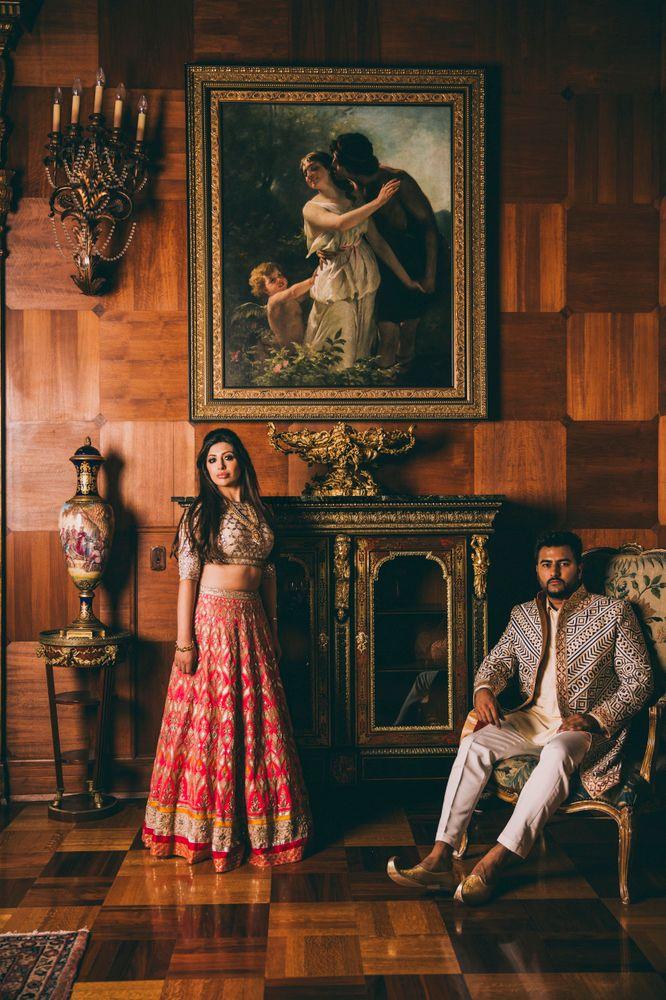 Photo of Couple portrait indoors