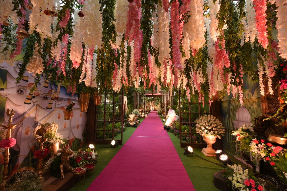 Photo of Floral decor idea with pink and white theme for entranceway