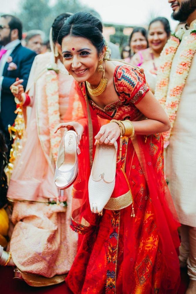 Wedding Photoshoot & Poses Photo joota churai photo