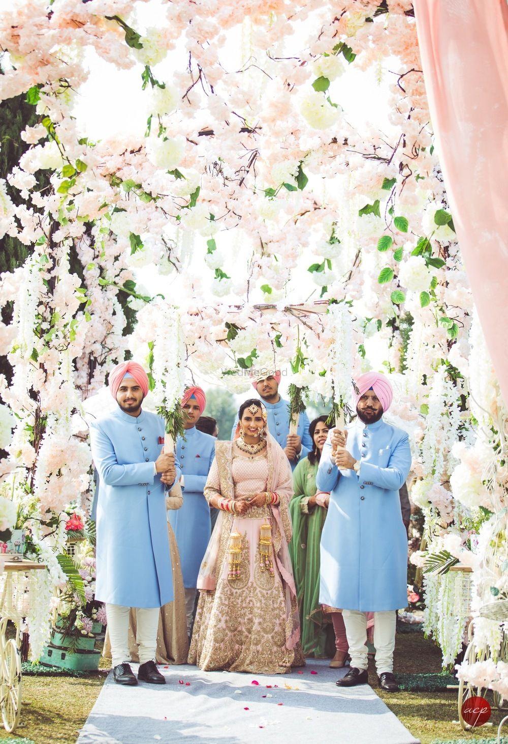 Photo of Pastel floral decor ideas with bridal entry portrait