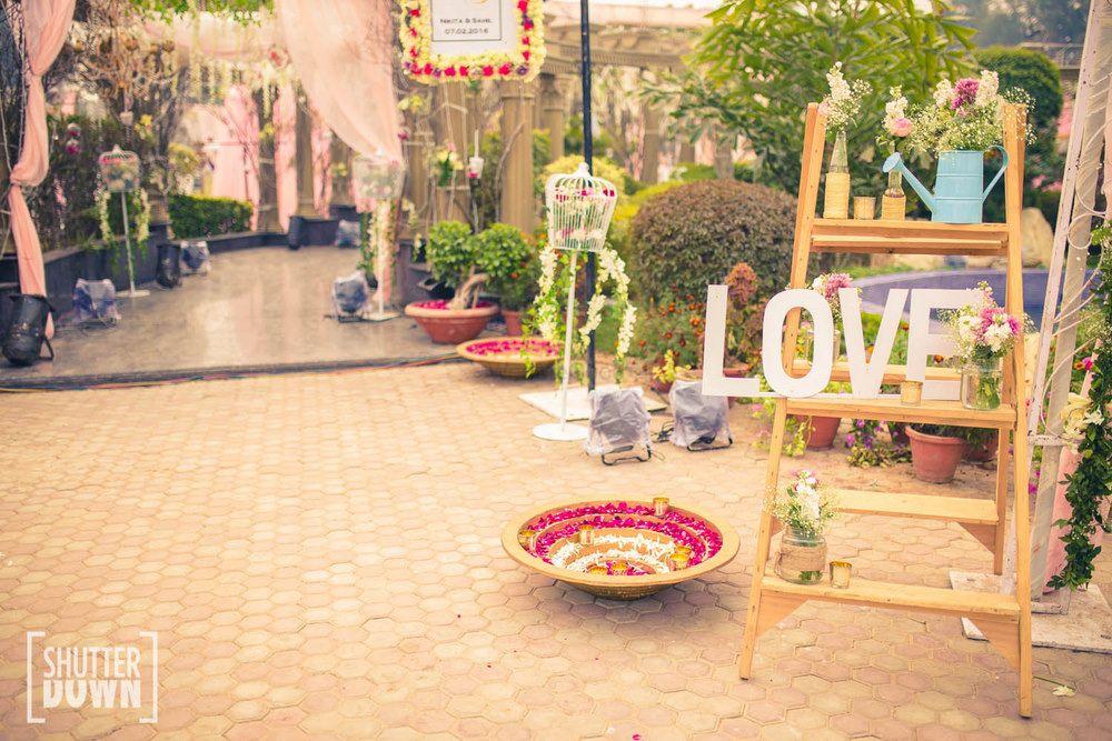 Photo of Parisian decor for morning wedding