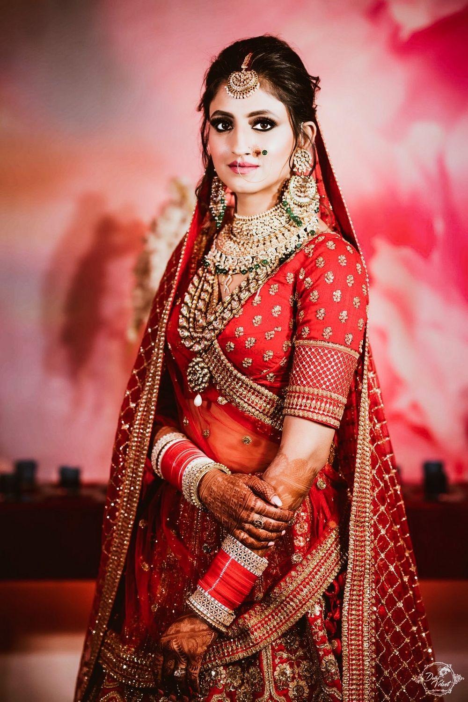 Photo of Royal bride shot pose