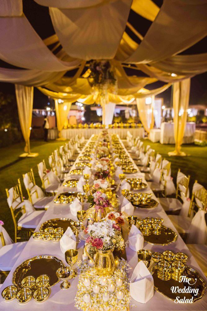 Gold Wedding Decor Photo gold plates