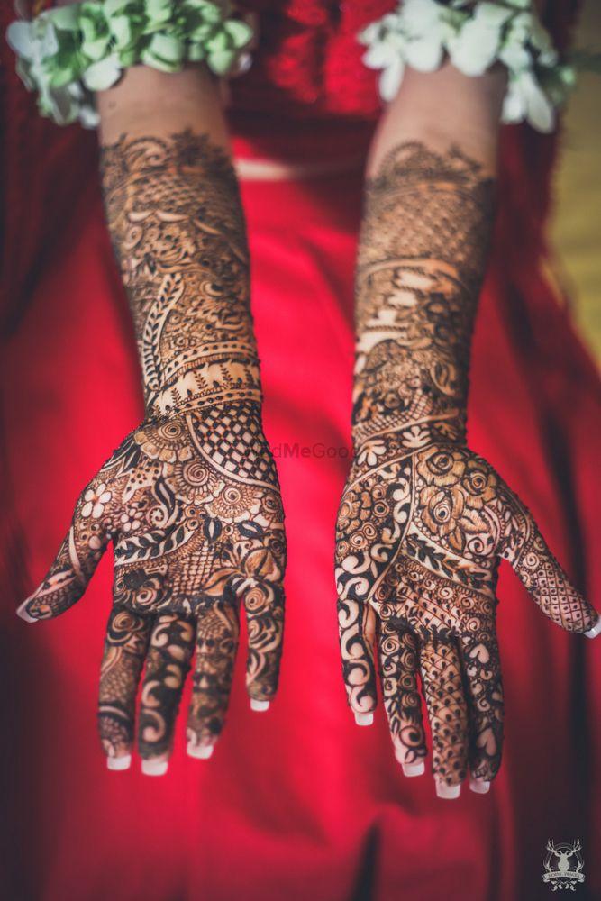 Photo of Bridal hand mehendi design