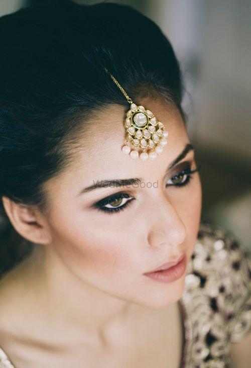 Photo of Smokey eyes bridal makeup