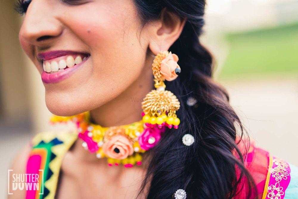 Photo of Mehendi jewellery earrings and choker