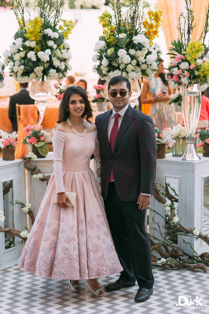 Wedding Photoshoot & Poses Photo pink dress