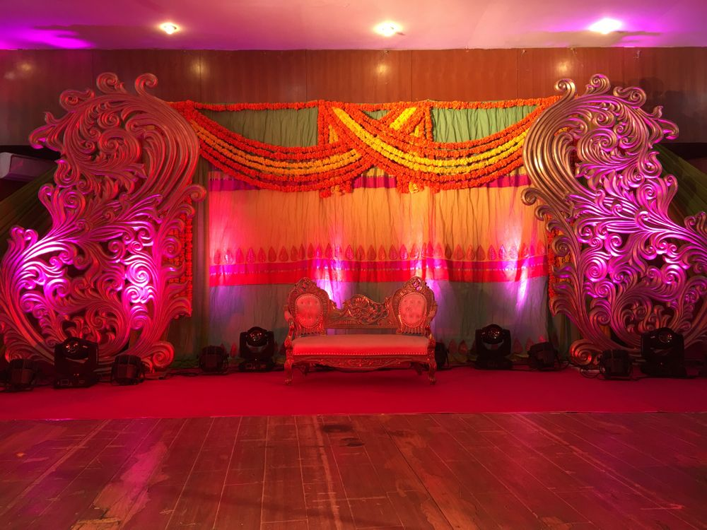 Photo By Entertaainment Factory - Decorators