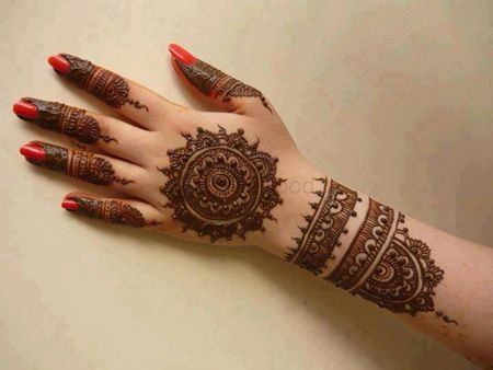 Photo of Mandala pattern simple mehendi design
