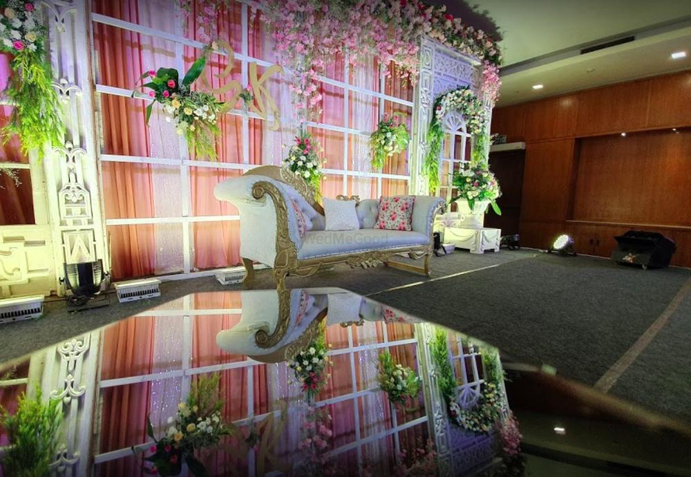 Photo By Hotel Maurya - Venues