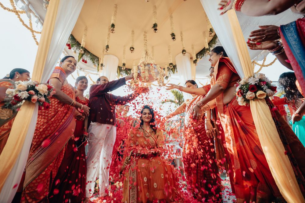 Photo By Knotty Affair by Namit & Vipul - Photographers