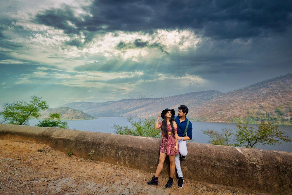Photo By WedMeVogue - Photographers