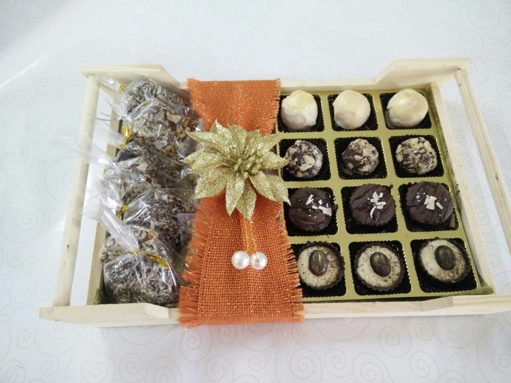 Photo By Indulge Chocolatier - Favors