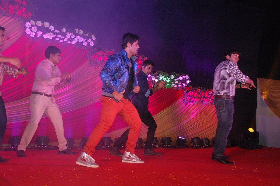 Photo By Choreographer Monty Rathod - Sangeet Choreographer