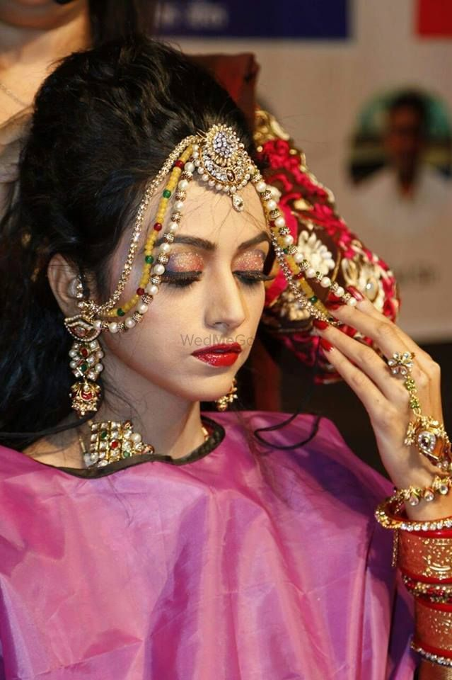 Photo By Archana Thakkar Bridal Studio - Makeup Artist