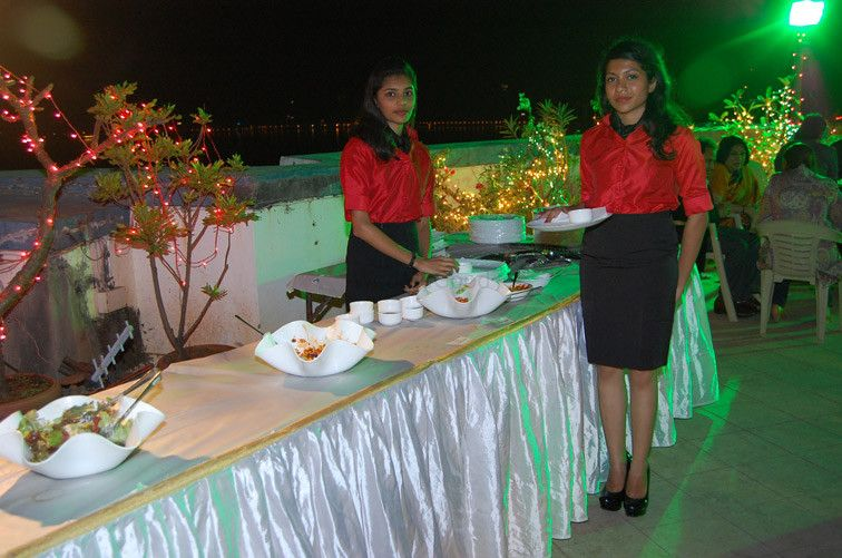 Photo By Foodies Catering Services - Catering Services