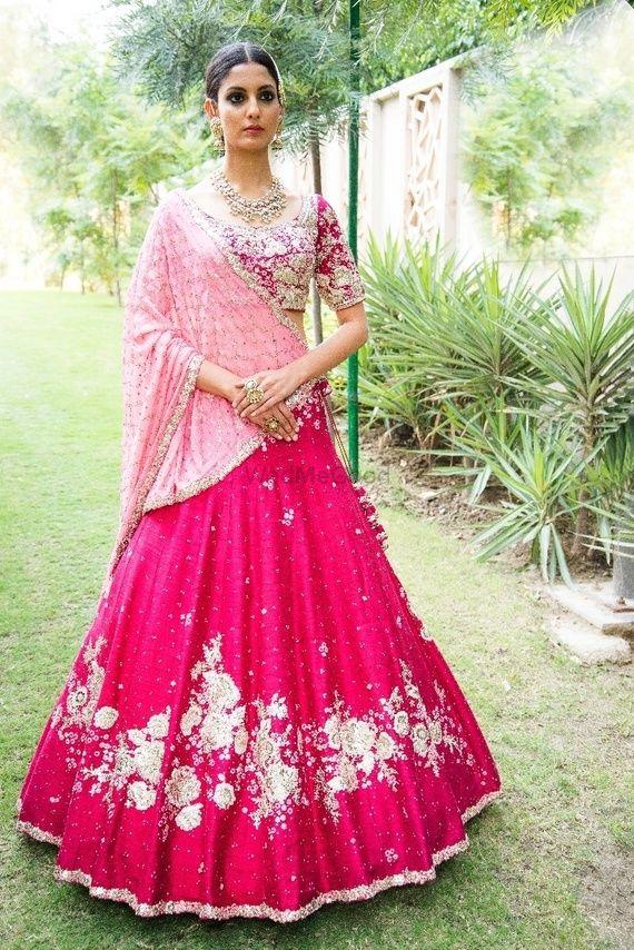 Photo of Simple bridal red lehenga with light pink dupatta