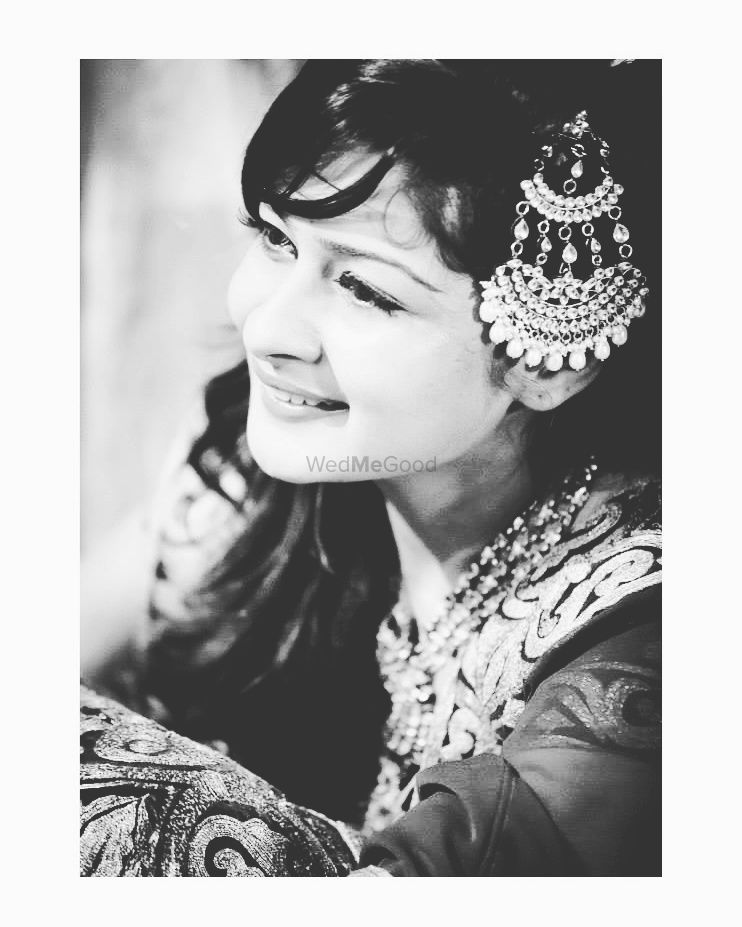 Photo of Black and White Bridal Portrait Wearing Jhoomer