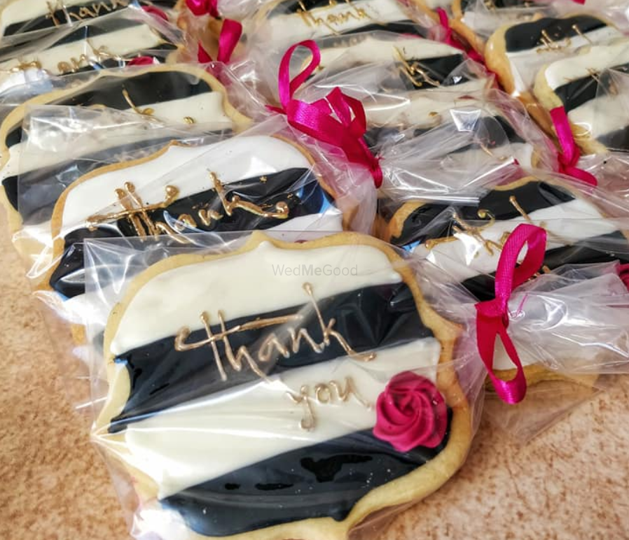 Photo By Zoey's Bake House - Favors