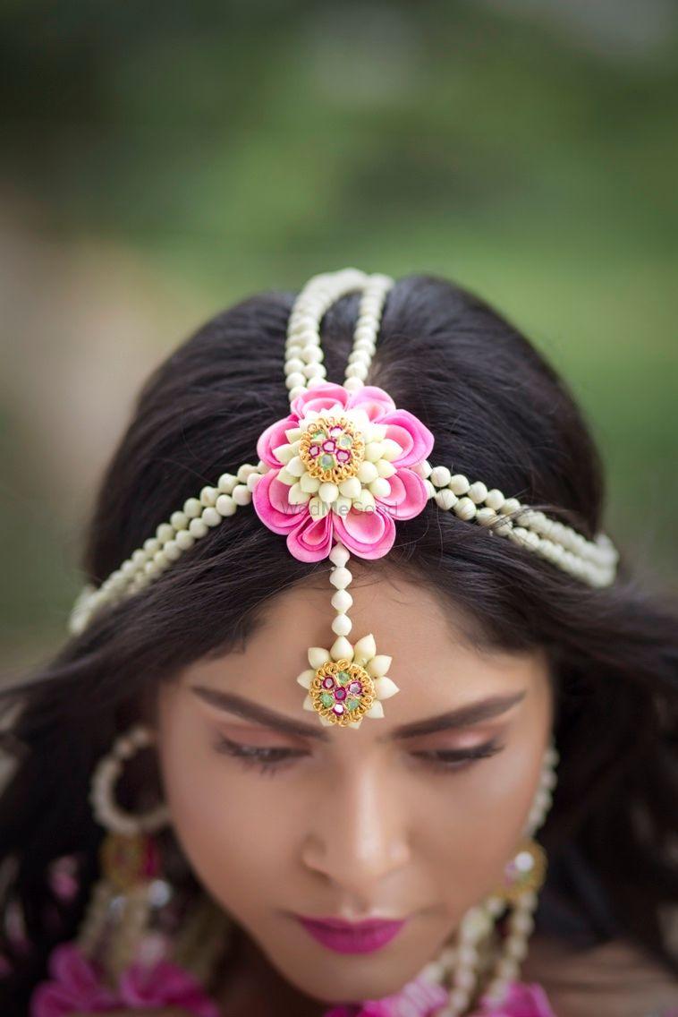 Photo of Floral mangtikka for mehendi