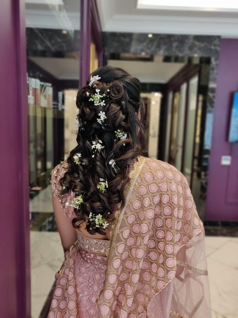 Photo of Bridesmaid baby breath hairdo idea
