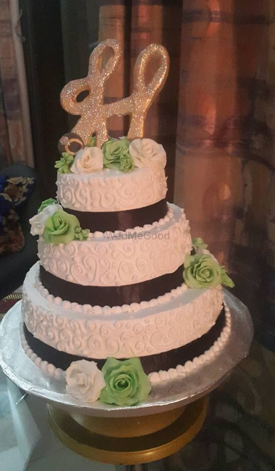 Photo By Eatoos The Cake Studio - Cake